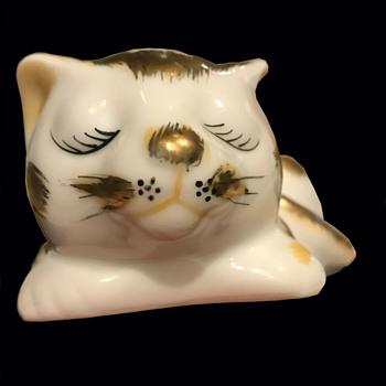 Kutani porcelain cat - Asian
