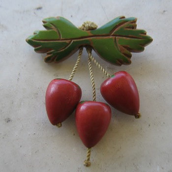 1930-40's wood brooch - strawberries? - Costume Jewelry