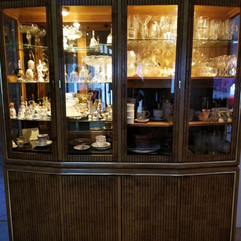 American of Martinsville china cabinet  - Furniture