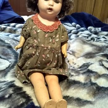 Please help me identify this doll - Dolls