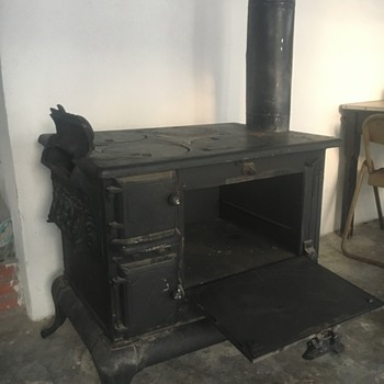 Cast iron coal/wood stove - Kitchen