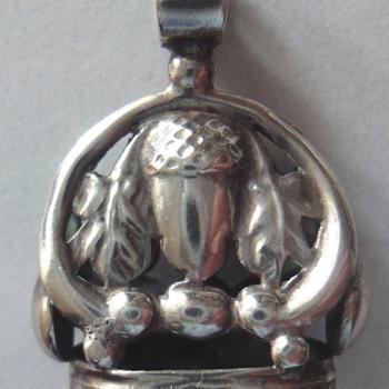 Victorian Antique Silver Acorn Cachet  - Victorian Era
