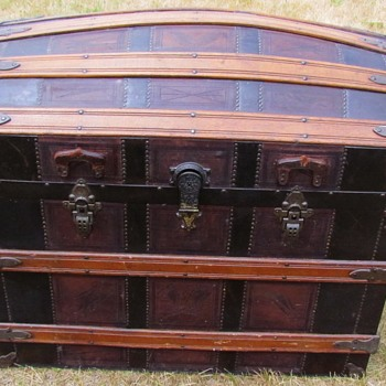 1880's  J. Eveleigh Montreal   Leather Barrel Stave Trunk   - Furniture