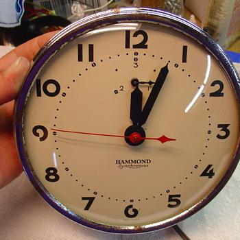 "HAMMOND ""HAMPTON"" electric kitchen clock"