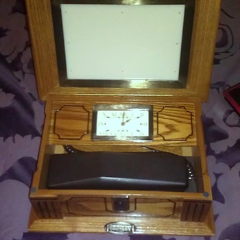 Crosley Clock & Phone HELP need info on it please