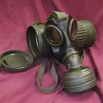 WW II German Kriegsmarine Gas Mask and Cannister - Military and Wartime