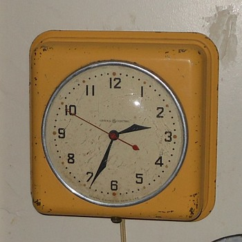 Vintage General Electric Wall Clock - Clocks