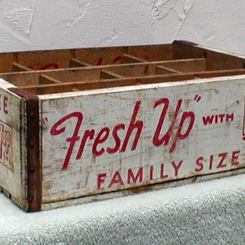 1958 - 7 Up Wood Bottle Crate - Advertising