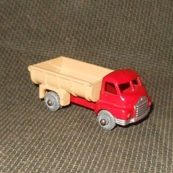 MIghty Micronaught Matchbox Monday MB 40 Bedford 7 Ton Tipper 1957-1960 - Model Cars