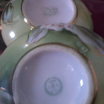 """Asian Creamer and Sugar Bowl, IE&C Co., Hand painted, Japan,  2"""" tall"""