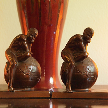 1925 - 30, Man/Atlas Sitting on Top of the World Bookends