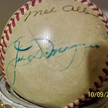 Joe Dimaggio and Mel Allen signed baseball