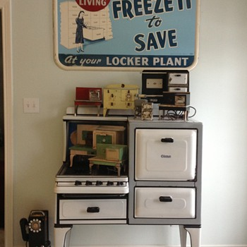 Freeze it and save sign 1950 - Advertising