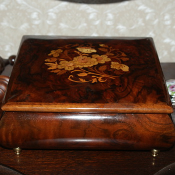 Wooden Jewelry Music Box  - Fine Jewelry