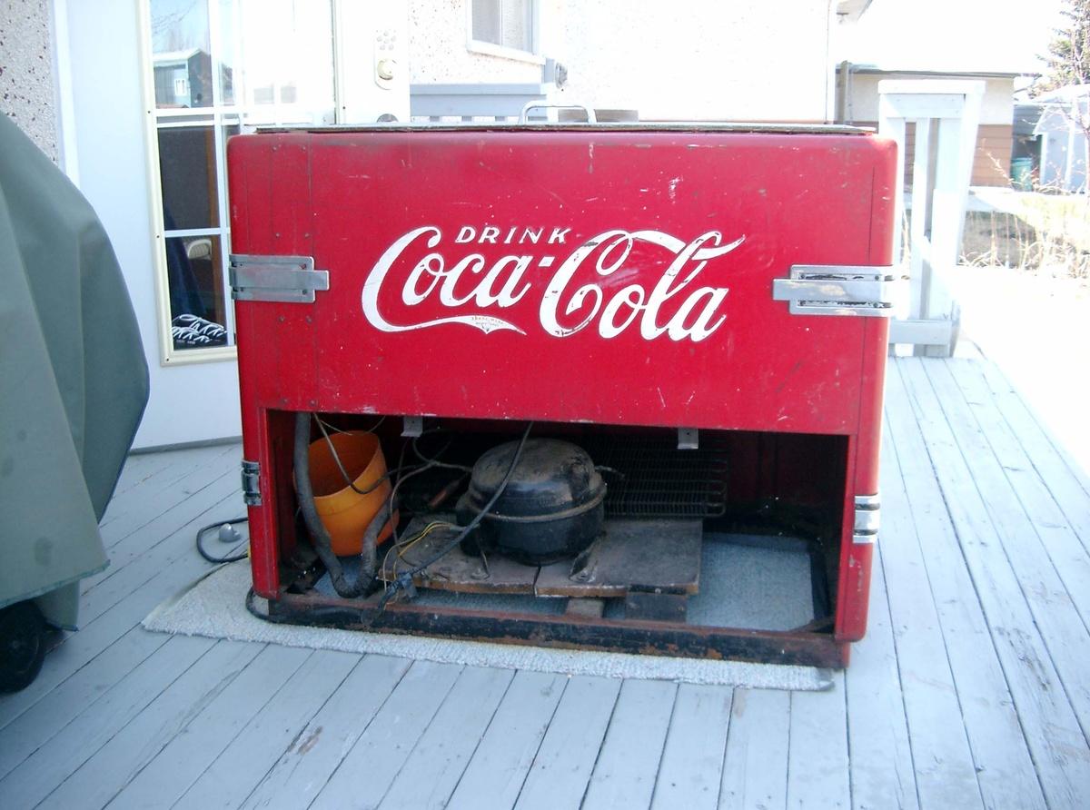 Coca Cola Chest Cooler    Collectors Weekly