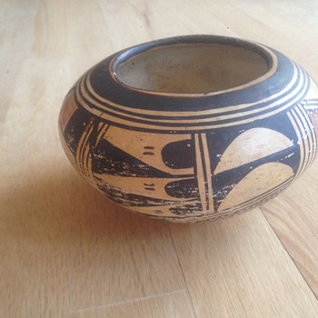 Handmade pot...,,,thoughts on origin? - Pottery