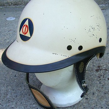 OLD MILWAUKEE CIVIL DEFENSE HARLEY DAVIDSON HELMET - Motorcycles