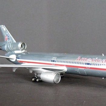 American Airlines DC-10 1/200 model airplane - Toys