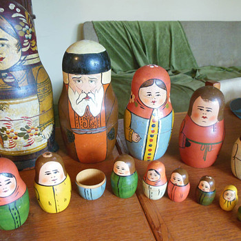 Really old Russian Dolls, More info, how old, artist...? - Dolls