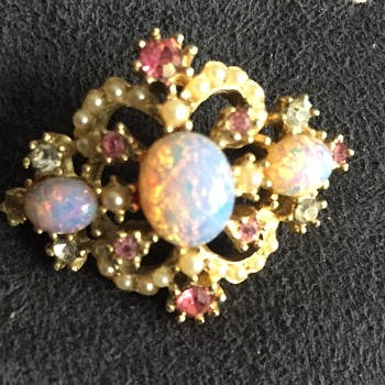 Unmarked lab created fire opal brooch pin - Costume Jewelry