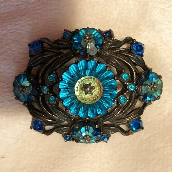Weiss Vintage Brooch with Margarita  Rivoli cut stones  - Costume Jewelry