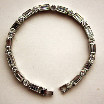 An interesting bracelet - unknown maker - Costume Jewelry
