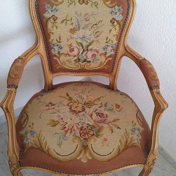WOVEN TAPESTRY/WOOD LOUIE STYLE CARVED SALON ARM CHAIR