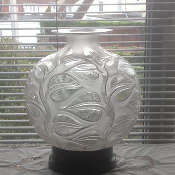 """R Lalique """"Sophora"""" vase - Art Deco"""