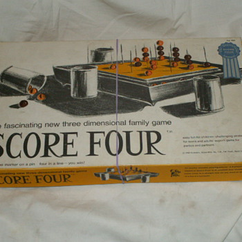 1968 Score Four The Three Dimensional Family Game No. 400