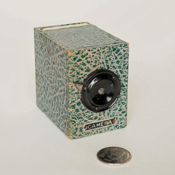 "Japanese ""No Darkroom"" box camera (AKA) a ""Yen Camera"" - Cameras"