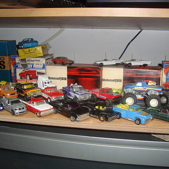 toy ford trucks   - Model Cars