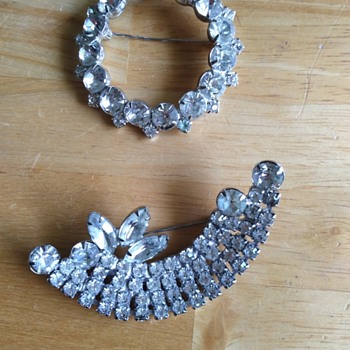 Rhinestone brooches - Costume Jewelry