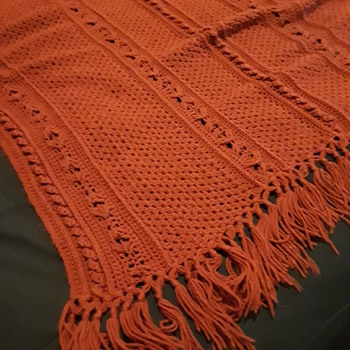 OH-SO-COMFY red crocheted blanket - Rugs and Textiles
