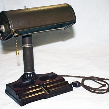 1940s Bakelite Banker's Lamp - Lamps