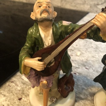 Vintage hobo figurines playing musical instruments  - Figurines
