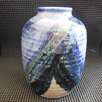 vintage studio art pottery vase Trubel? flea market find - Pottery