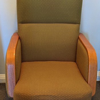 Mid Century Modern chair. - Furniture