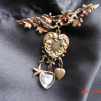 Victorian Pin Brooch 2 Tone Color Dangling Heart With Charms