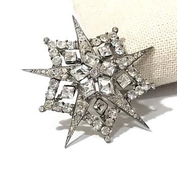 Vintage sterling rhinestone star brooch - Costume Jewelry