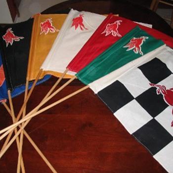 pegasus race flag set - Petroliana