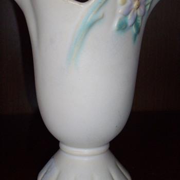 Weller vase. - Pottery