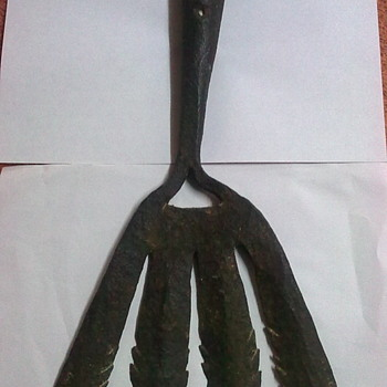 Eel fork or cleave.