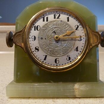Mohawk Gasoline Clock - Petroliana