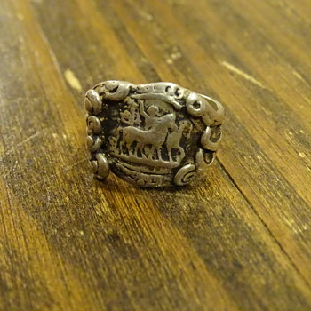 Unique sterling silver horse carrage ring - Silver