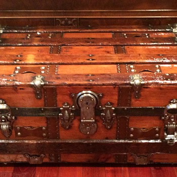 Small Re-finished trunk - Furniture