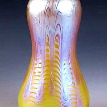 Loetz Signed Phaenomen Genre 8065 Vase (1899). - Art Glass