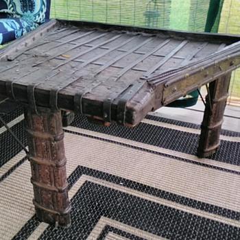 Coffee table ?? 1800's? - Furniture