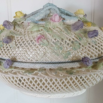 Belleek Four Strand Oval Covered Basket - 5th period - China and Dinnerware