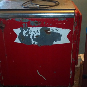 Can anyone tell me about this cooler? - Coca-Cola
