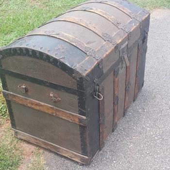 Dome Back Trunk - Furniture